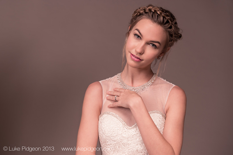 Why Hire A Wedding Makeup Artist : Why To Hire A Professional Makeup Artist For Your Wedding ...